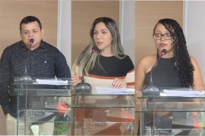 Câmara entrega Moções a servidores municipais e comandante do GPM