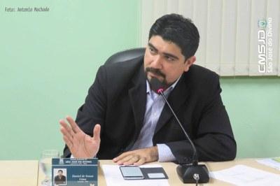 Dr. Daniel propõe regulamentação de identificação de veículos oficiais em São José do Divino