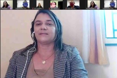 Ver. Raquel Sousa solicita informações sobre vacinação da COVID para profissionais da educação